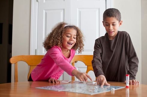 childrenplayingboardgame-gettyimages-113189899-593edc775f9b58d58a600e7c