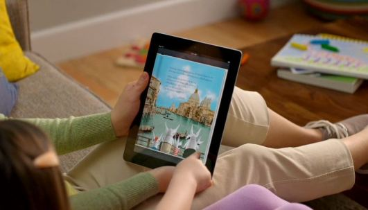 ipad-2-guided-tours-ibooks-mom-and-daughter-turning-page-in-childrens-book